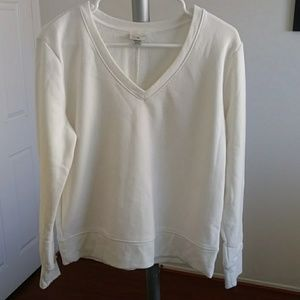 A new day white knit v-neck sweater size M (NWOT)
